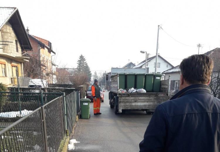 Banja Luka - Nove kante za odlaganje kućnog otpada u Krajiškoj ulici
