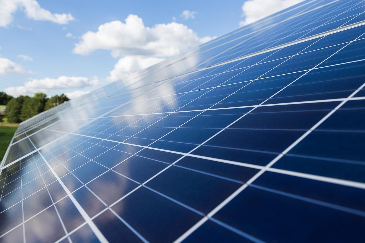 Krovni solarni paneli zadovoljili rekordnih 48% potražnje za električnom energijom