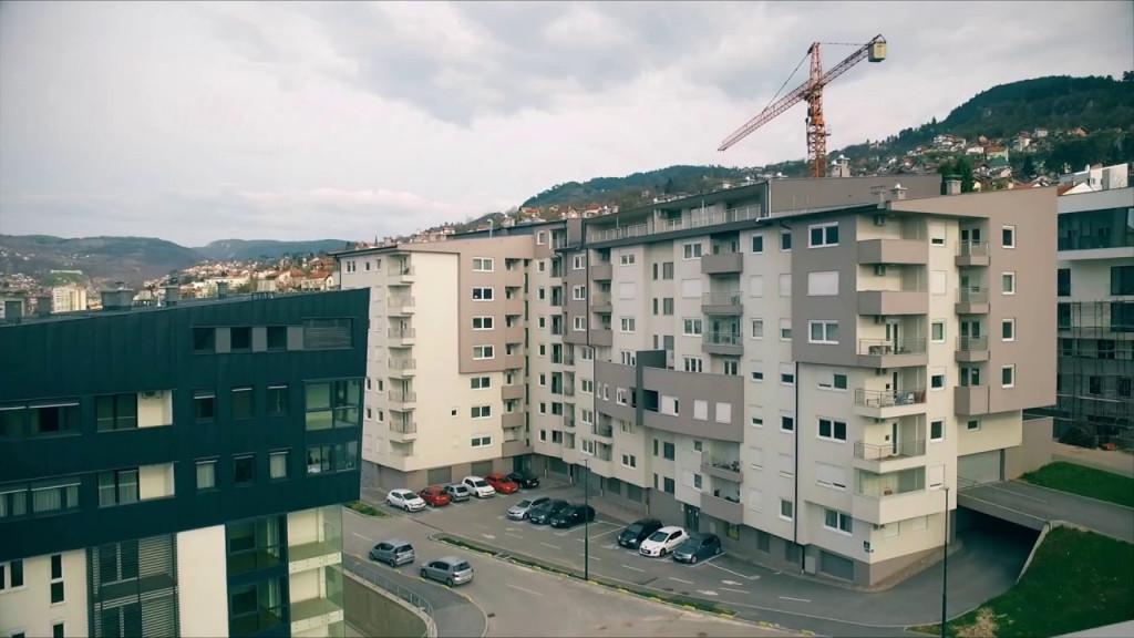 Tržište nekretnina u BiH: Ljudi su još u grču, teško se upuštaju u kupovinu, banke usporile proces za dobijanje kredita